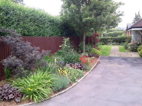 Garden maintenance headcorn kent