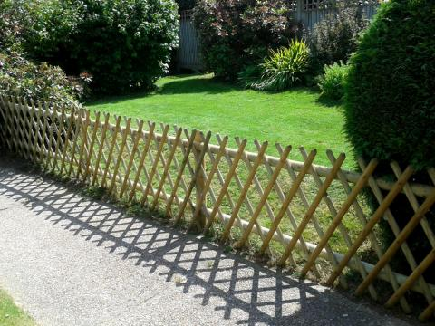 Expanding Trellis Fencing Installed Kent